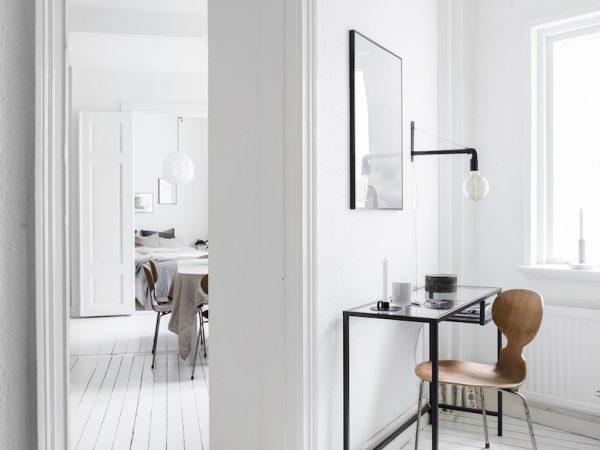 Ruotsalaiskodin valkoiset lautalattiat – ja minä ja minun kotini…